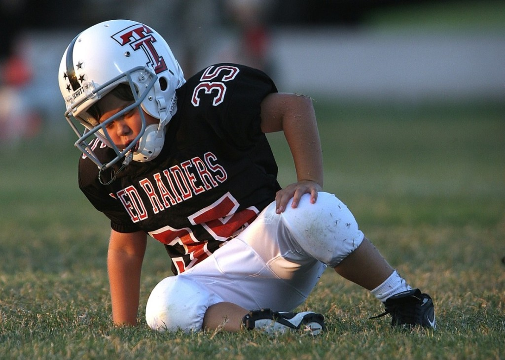 Osgood-Schlatter disease causes knee pain in younger teens and preteens